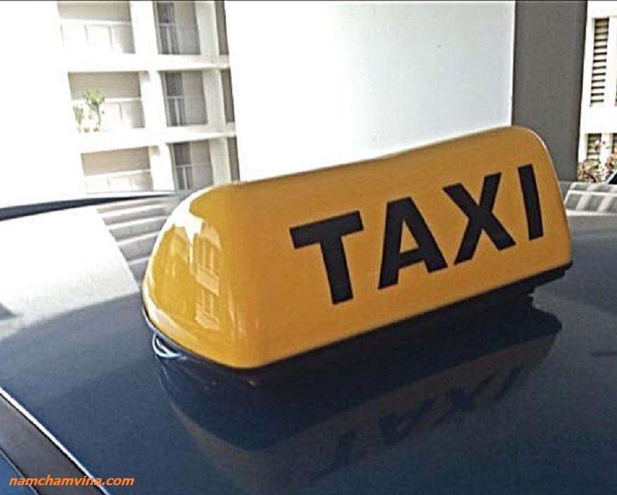 Den-taxi-de-tu